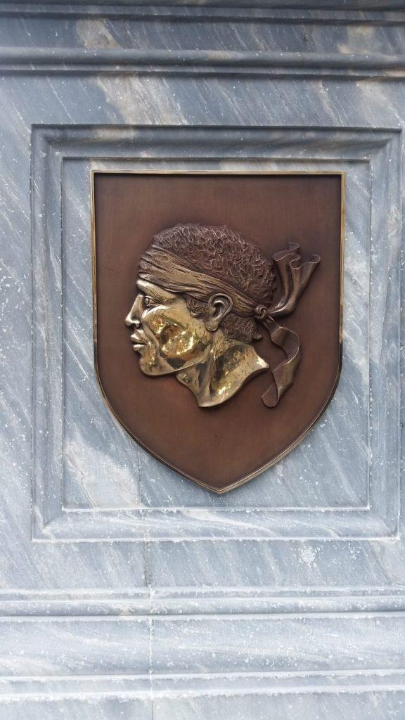 Blason en bronze